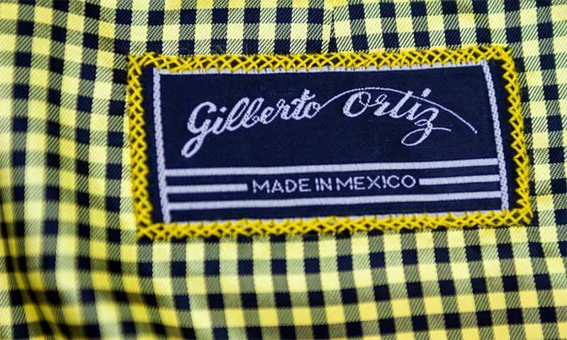 Etiqueta de sastre Gilberto Ortiz