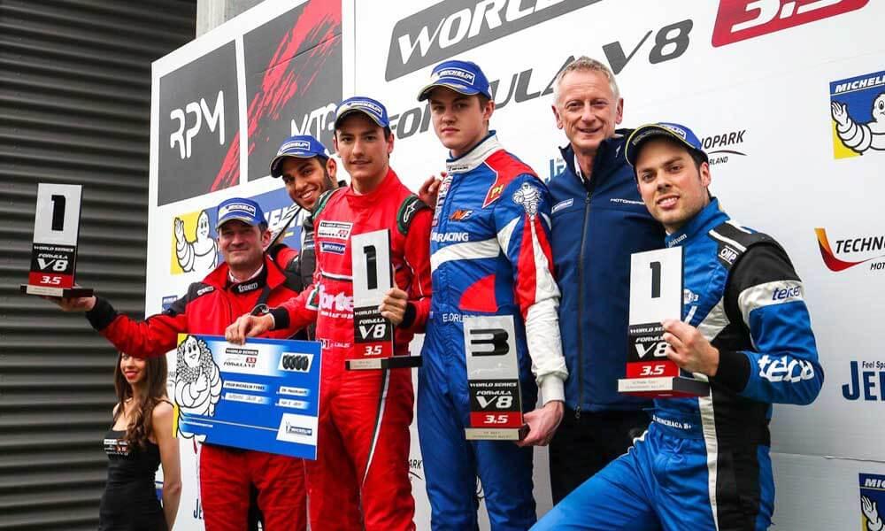 Alfonso Celis Jr. Gana Primer Carrera de la Fórmula V8