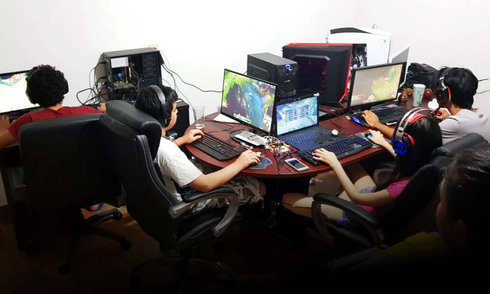 VGLife entrenando en su Gaming House